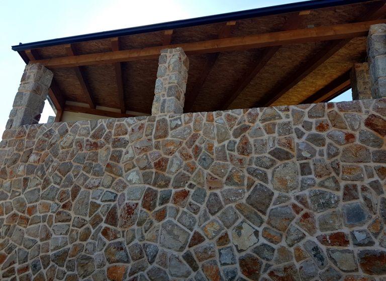 zid_od_dekorativnog_prirodnog_kamena